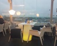 Ресторан за стеклом